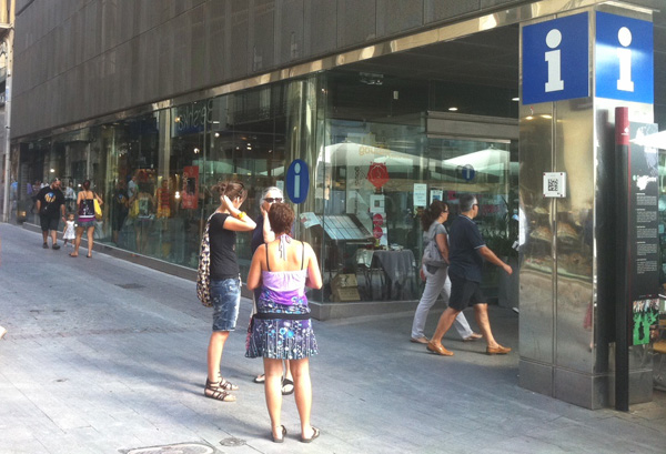 Obre una nova botiga exclusiva d'Apple al cor de la ciutat de Reus