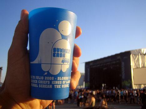 Cinc milions de gots reutilitzables a l'any i amb la intenció d'acabar amb els gots d'un ús